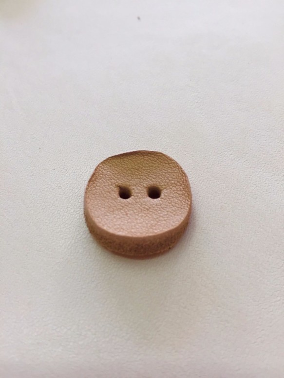 牛ヌメ革 ウォッシュ加工ボタン(小)直径15mm 10個セット