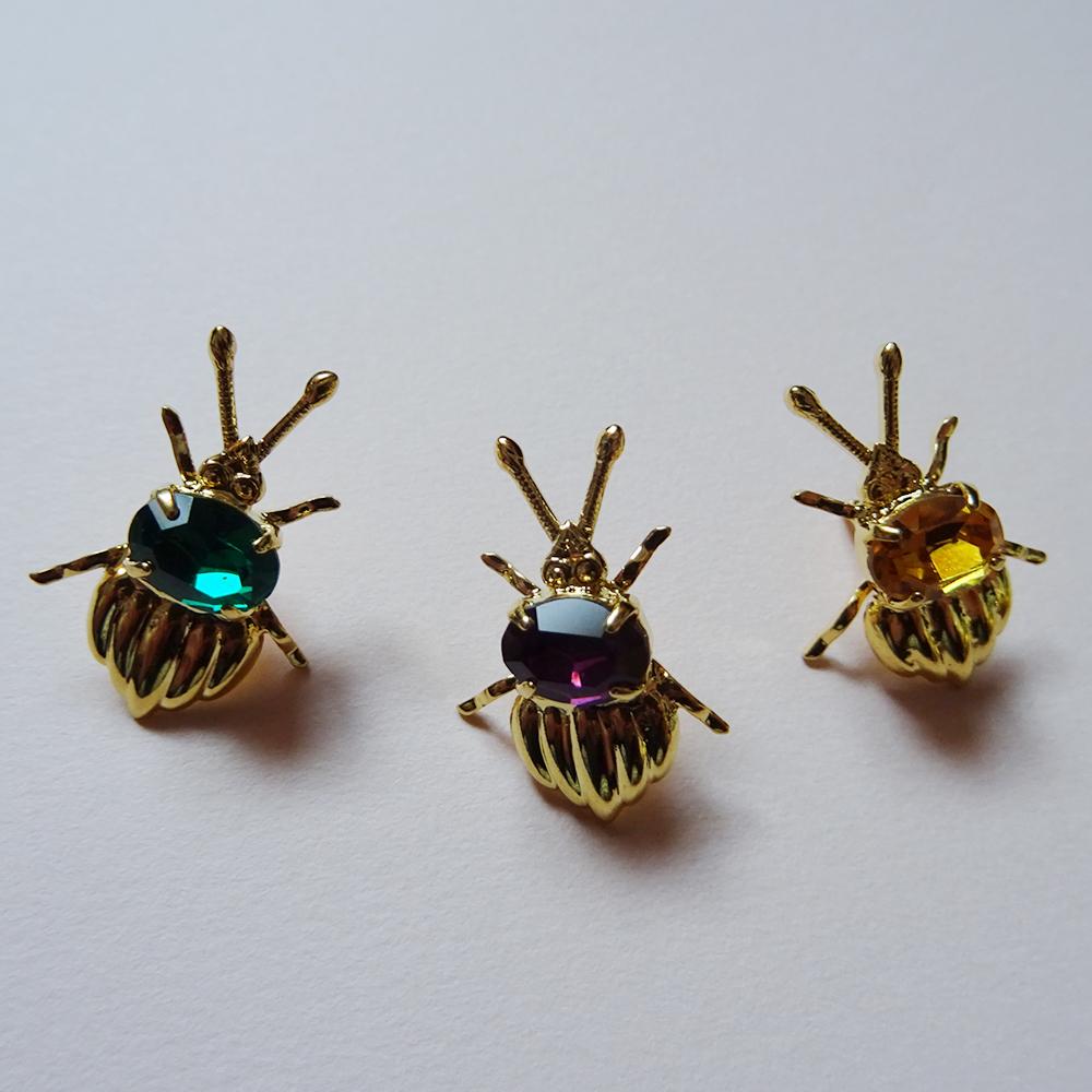 チェコ 小さなカブト虫のピンブローチ