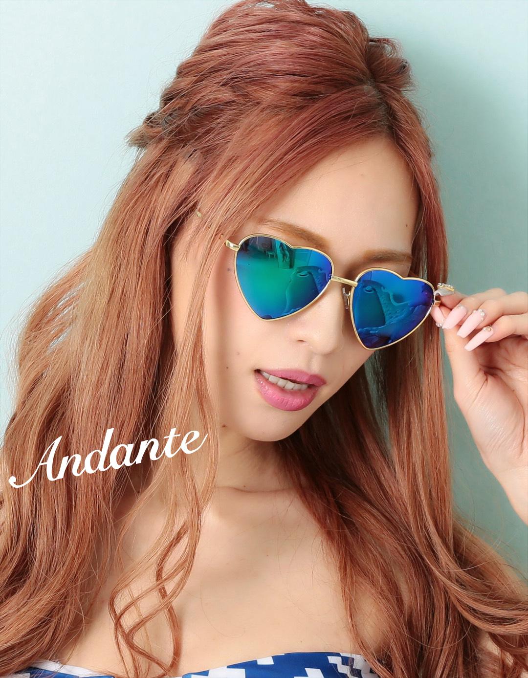 【大人気】ハート♡型UVミラーサングラス【ブルー】