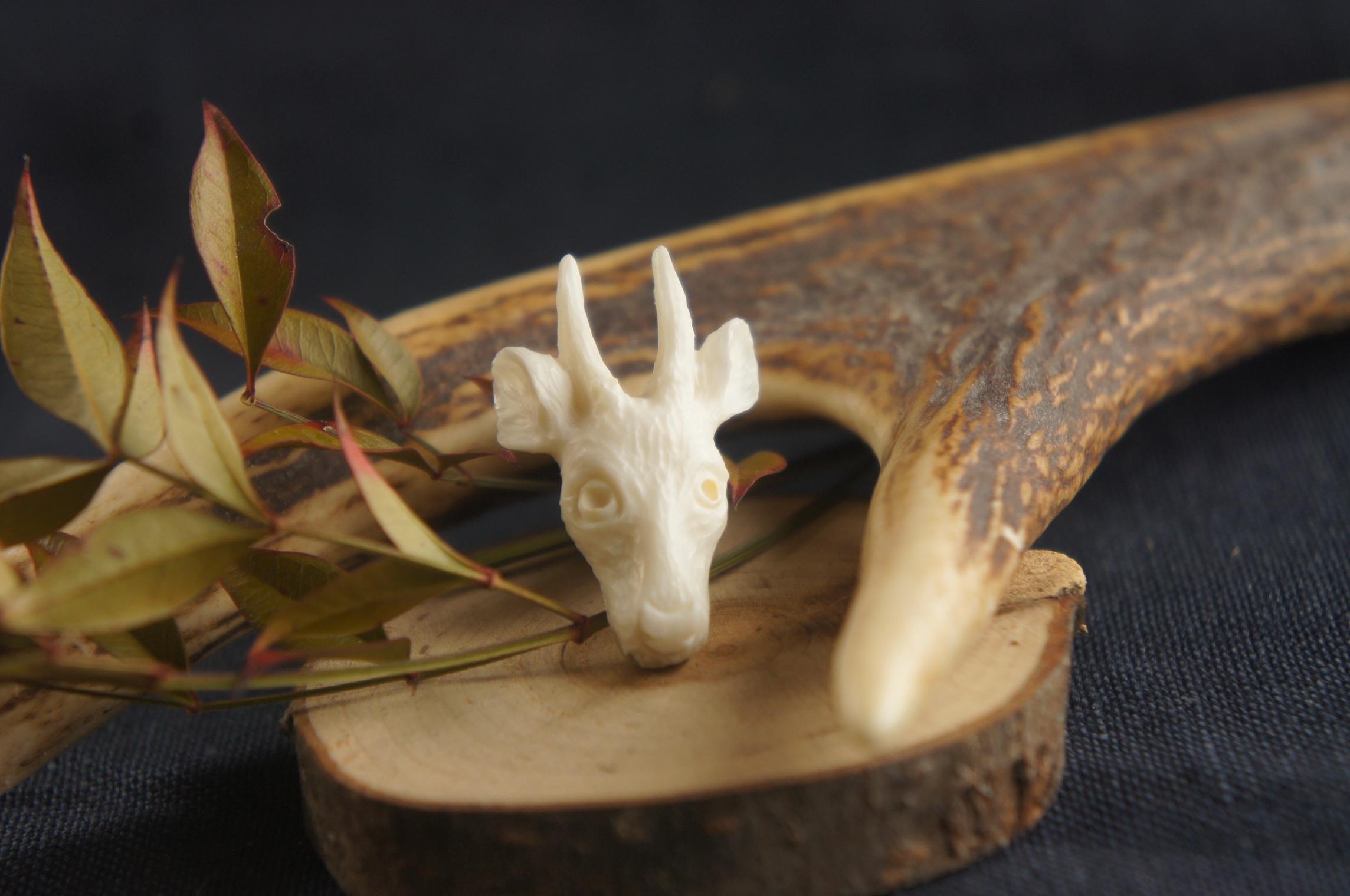 【B】鹿角製鹿の顔「胚」タックピン