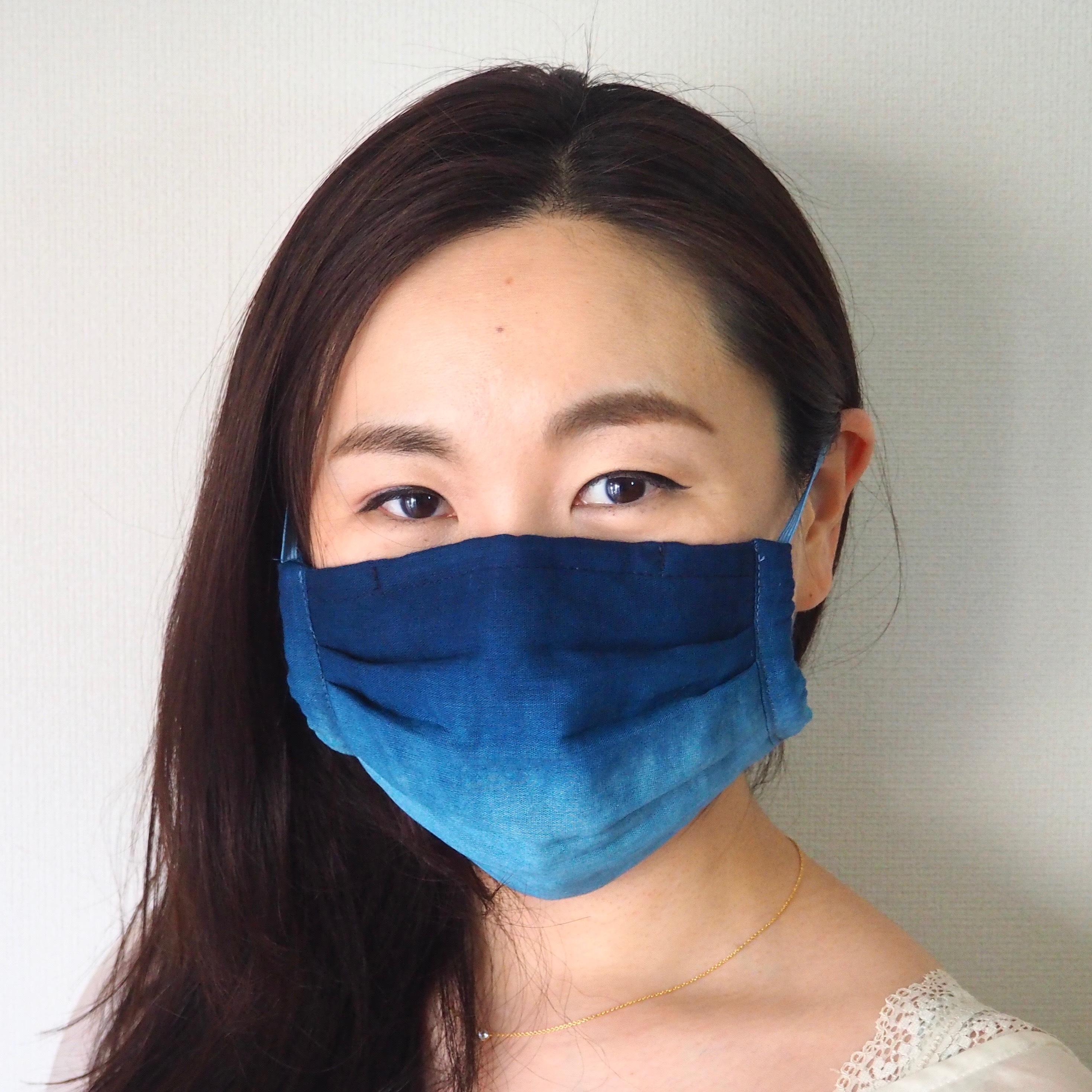 藍染め薄型ガーゼ 納涼プリーツマスク(縦グラデーション)