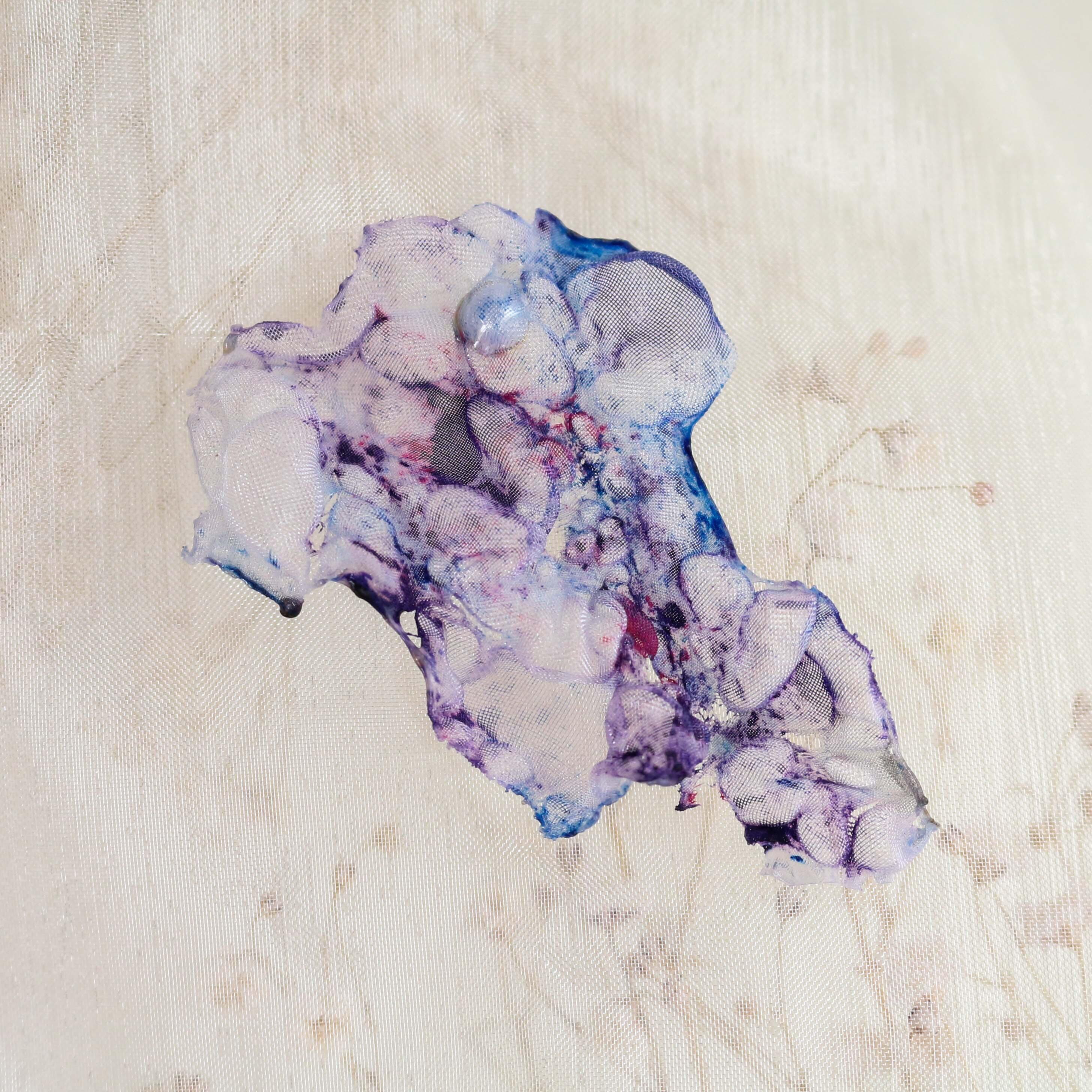 染めオーガンジーのアートピアス マーブル