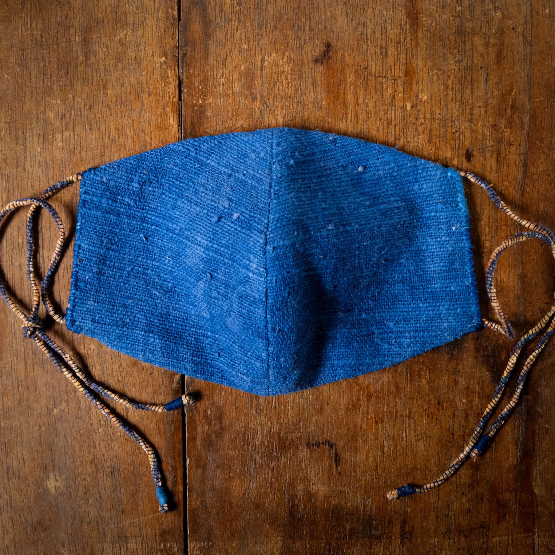 「みなも」藍染手紡ぎ手織り綿と竹布の手縫いマスク 男性用
