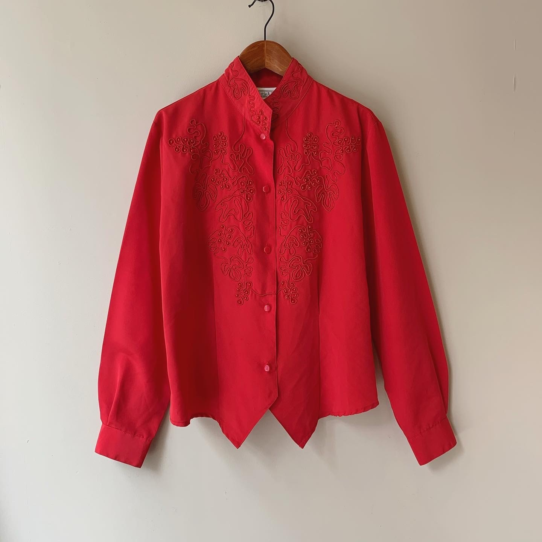 vintage design red tops