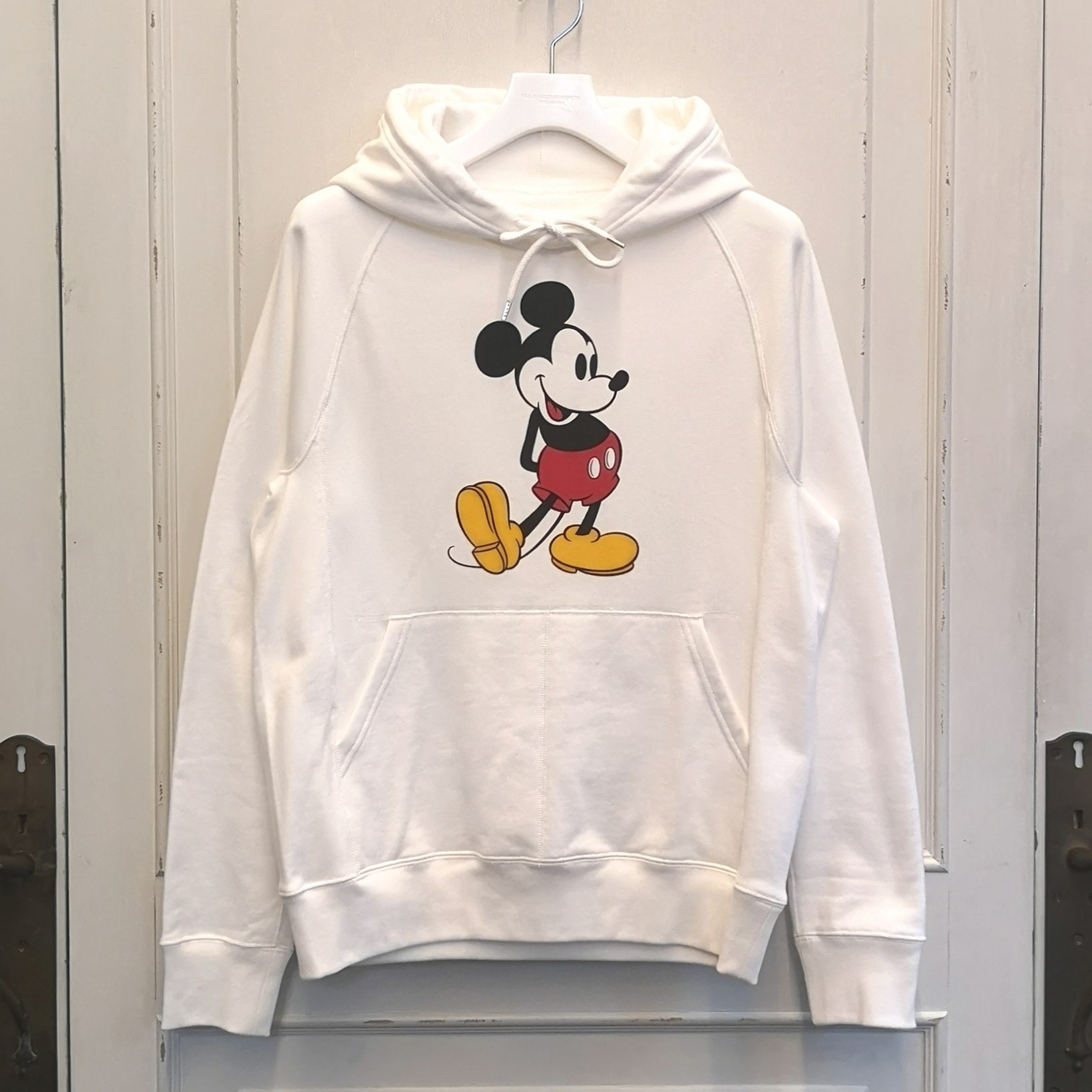 sc.0029aSS20 Mickey Mouse pullover hoodie.  (original color Mickey Mouse)