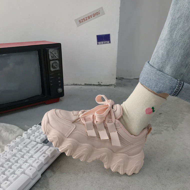 【送料無料】 幅広いコーデに♡ ハイテク スニーカー 厚底 シューズ シンプル パステルカラー 春靴