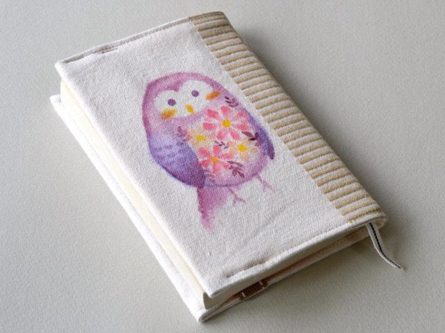 花咲きフクロウの手描き絵ブックカバー<文庫本サイズ>