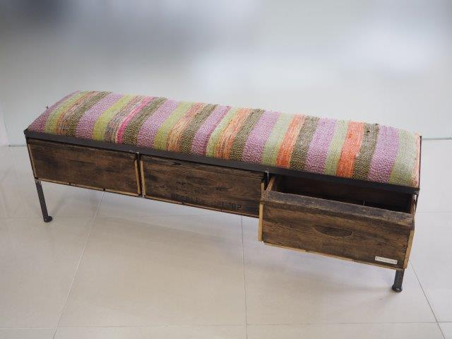 品番UNR3-101  3 drawer ottoman[nerrow/chindy rug]