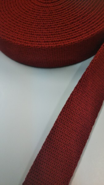店頭ワゴンセール! しっかり厚めのアクリル三つ綾織 25mm幅 落ち着いたボルドーカラー 6.3m巻