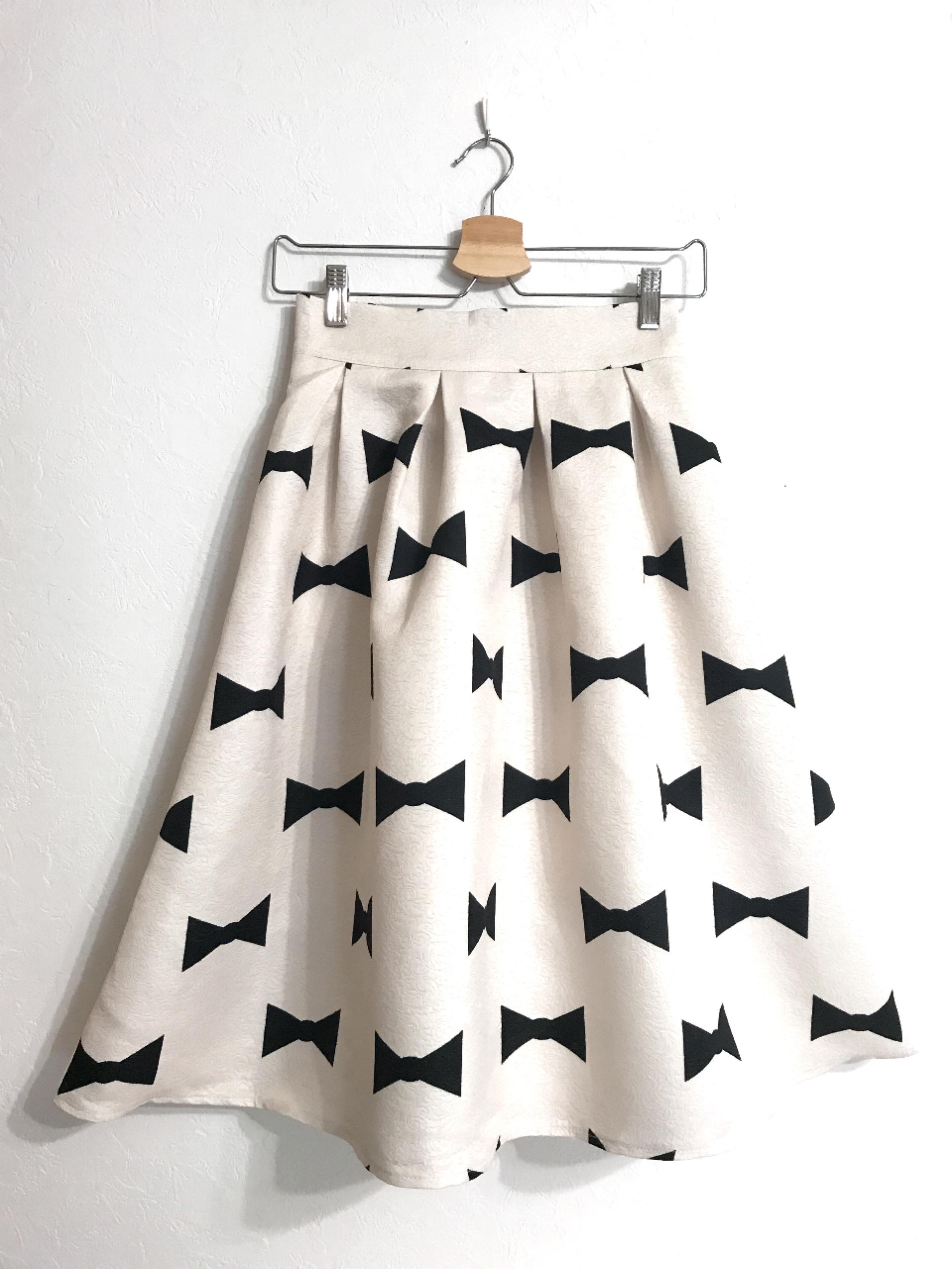 長め丈★しっかり生地のリボン柄スカート オフホワイト