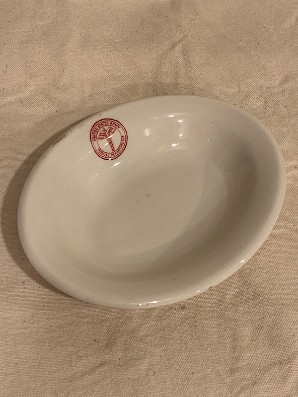 """POTTERY TABE PLATE """" U.S ARAMY MEDICAL DEPARTMENT """""""