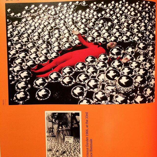 作品集「Yayoi Kusama. Edited by Frances Morris」 - 画像2