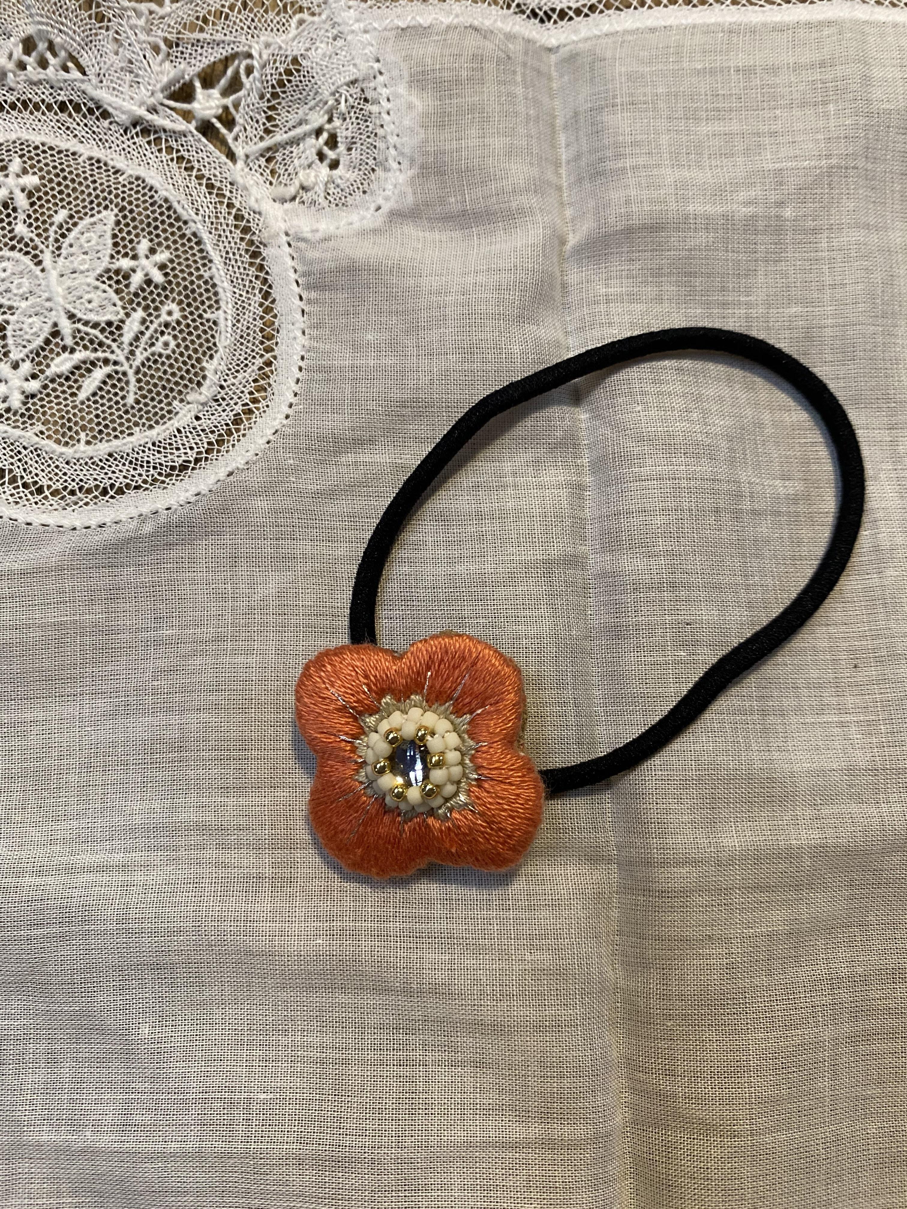 <ibukiya>  刺繍ヘアゴムa