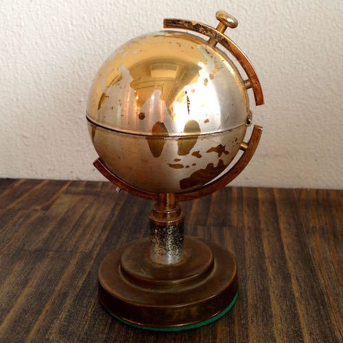 World Globe Lighter