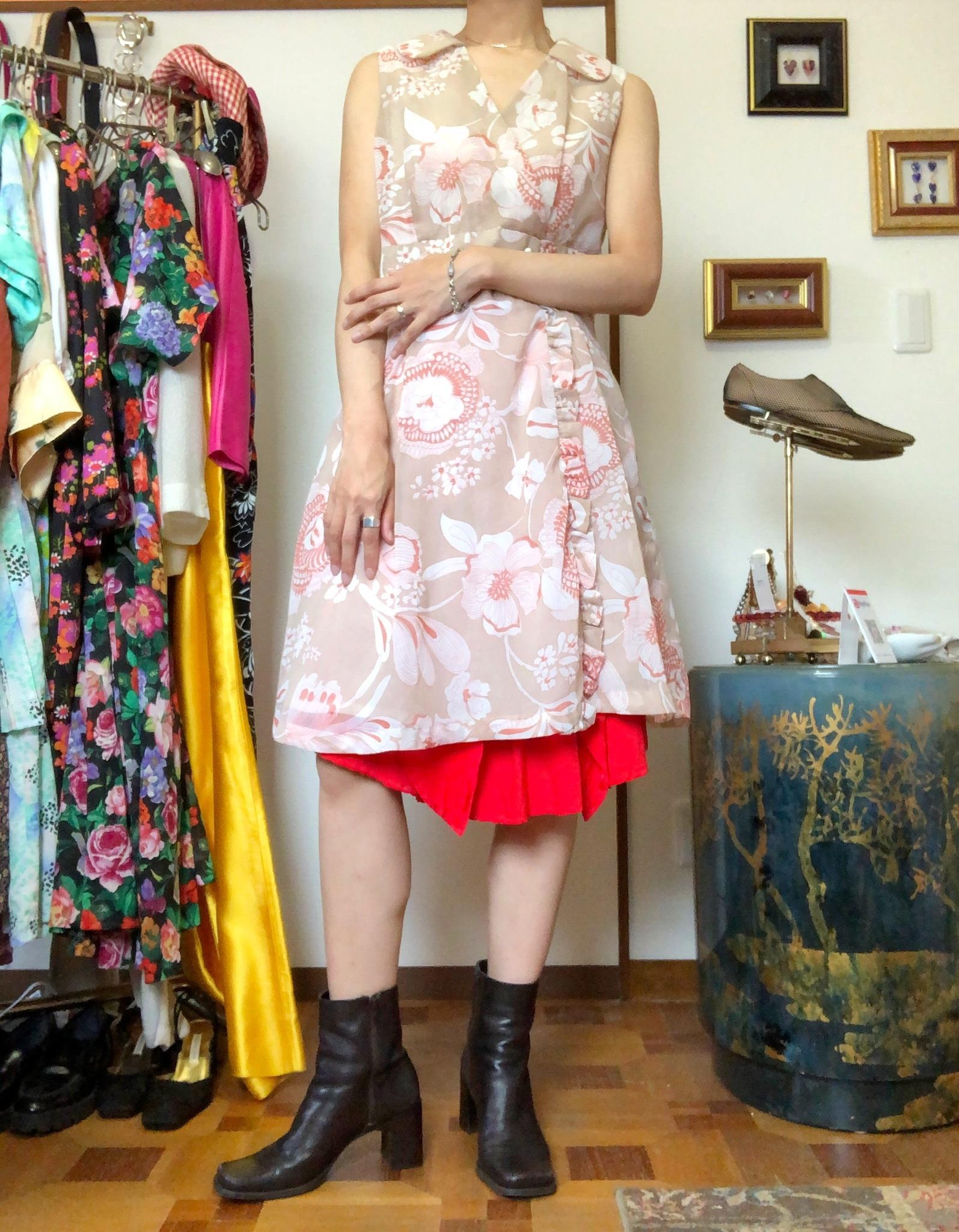 nosleeve dress