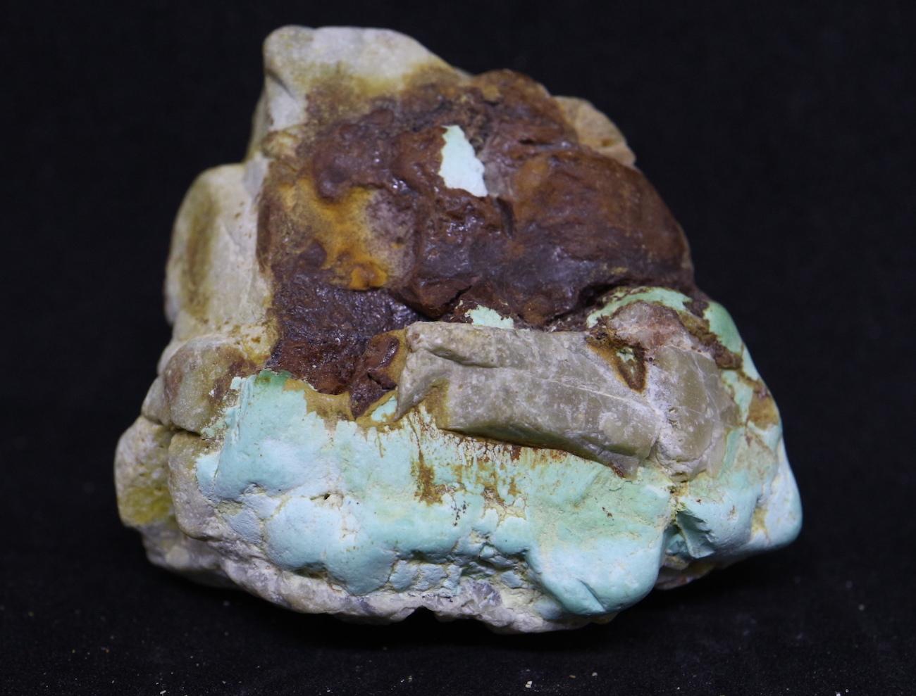 ターコイズ Turquoise 原石 ネバタ州産 45g TQ104