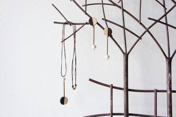 """木のいろ、黒檀と楓の首飾り """"othello """""""