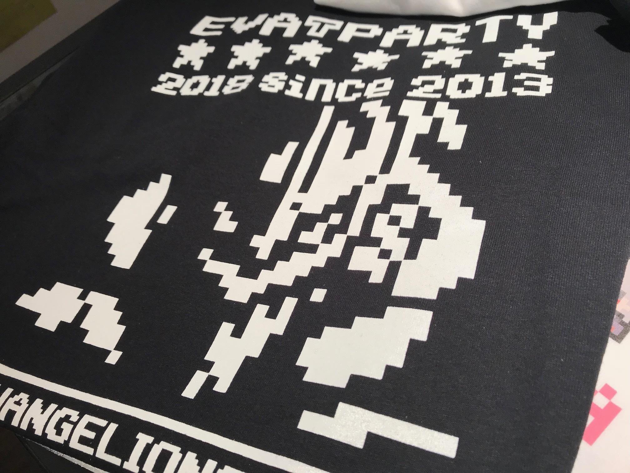 (販売終了) エヴァンゲリオン・CONTROLLERコラボ商品  EVA T PARTY 2018 in SAPPORO 限定 ドットTシャツ -ロゴ-