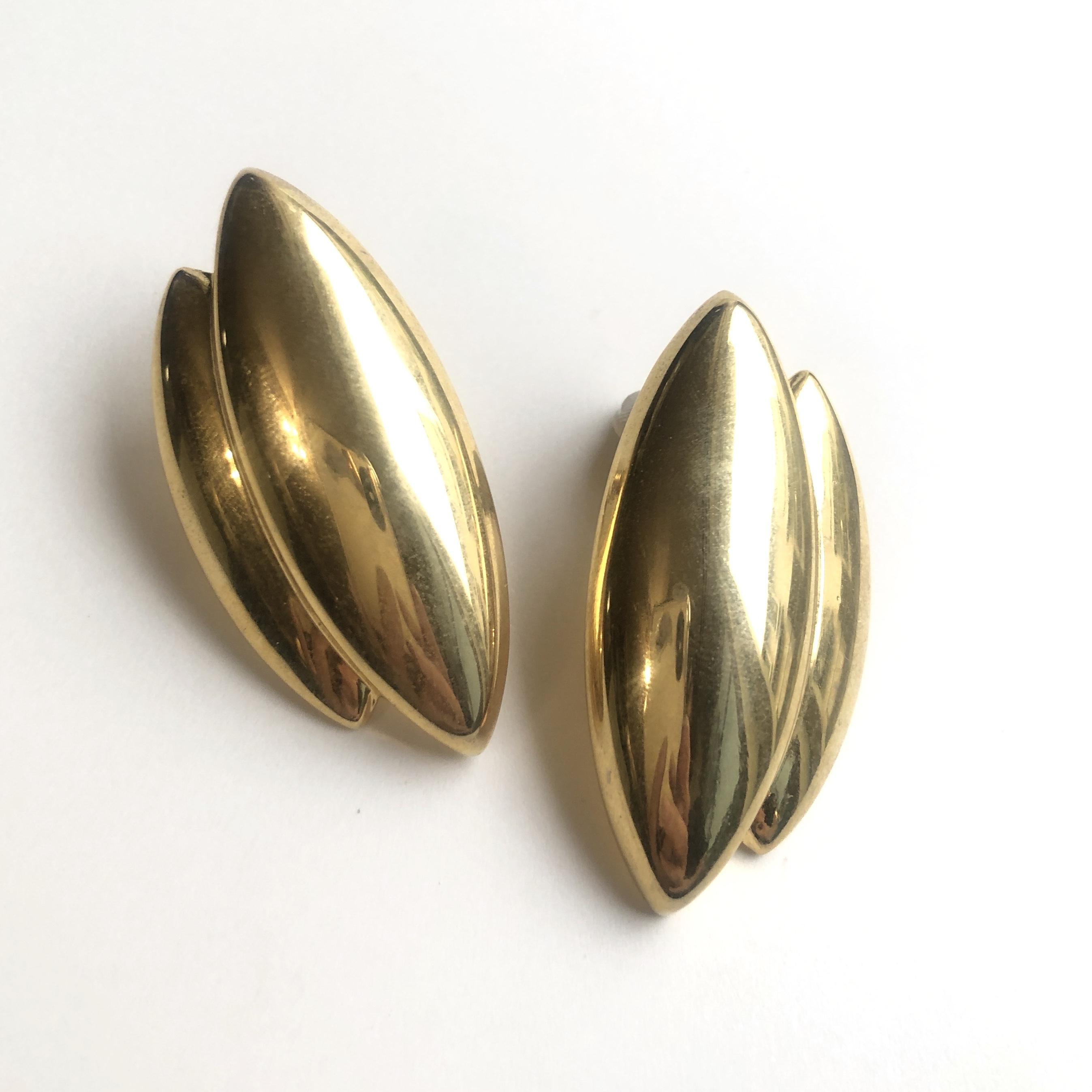 Vintage pierced earrings X-017