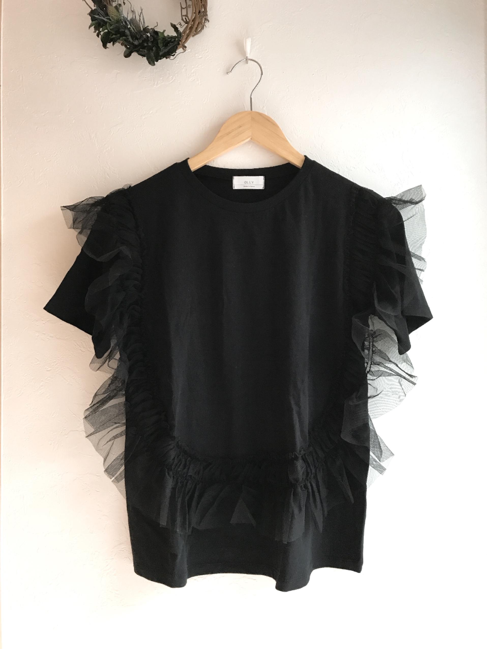 チュールフリルのTシャツ ブラック