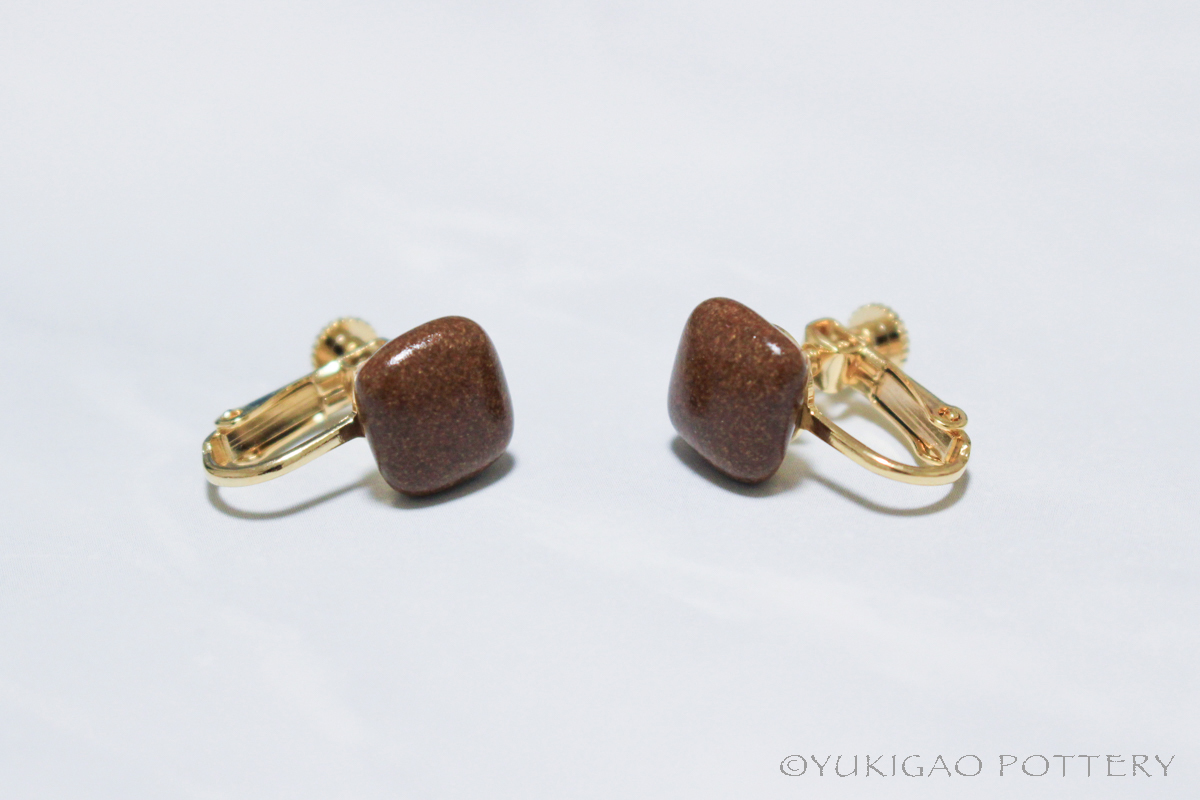 磁器のイヤリング【Chocolate】