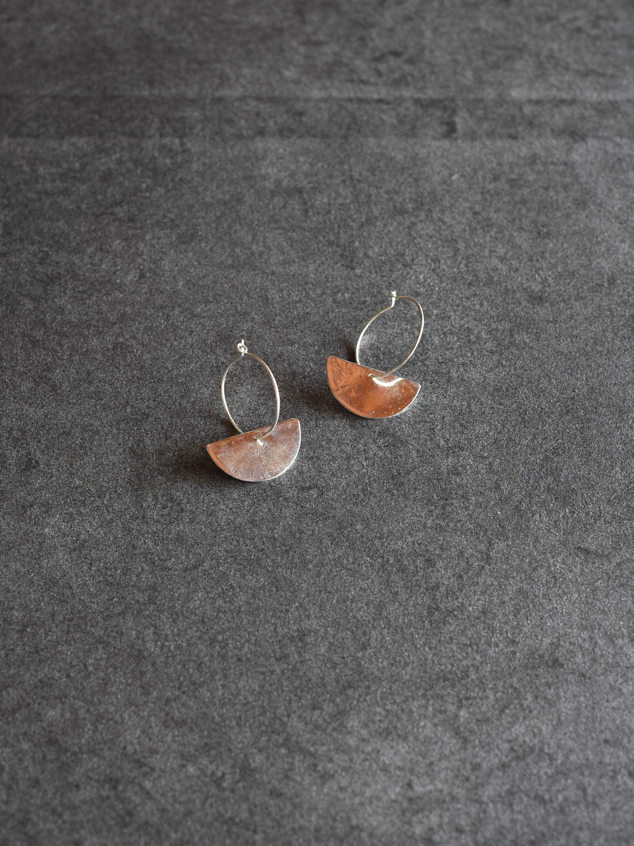 accessories mau|P-68 半円フープピアス silver