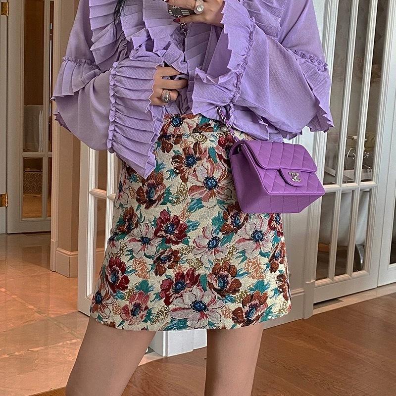 chic flower mini skirt