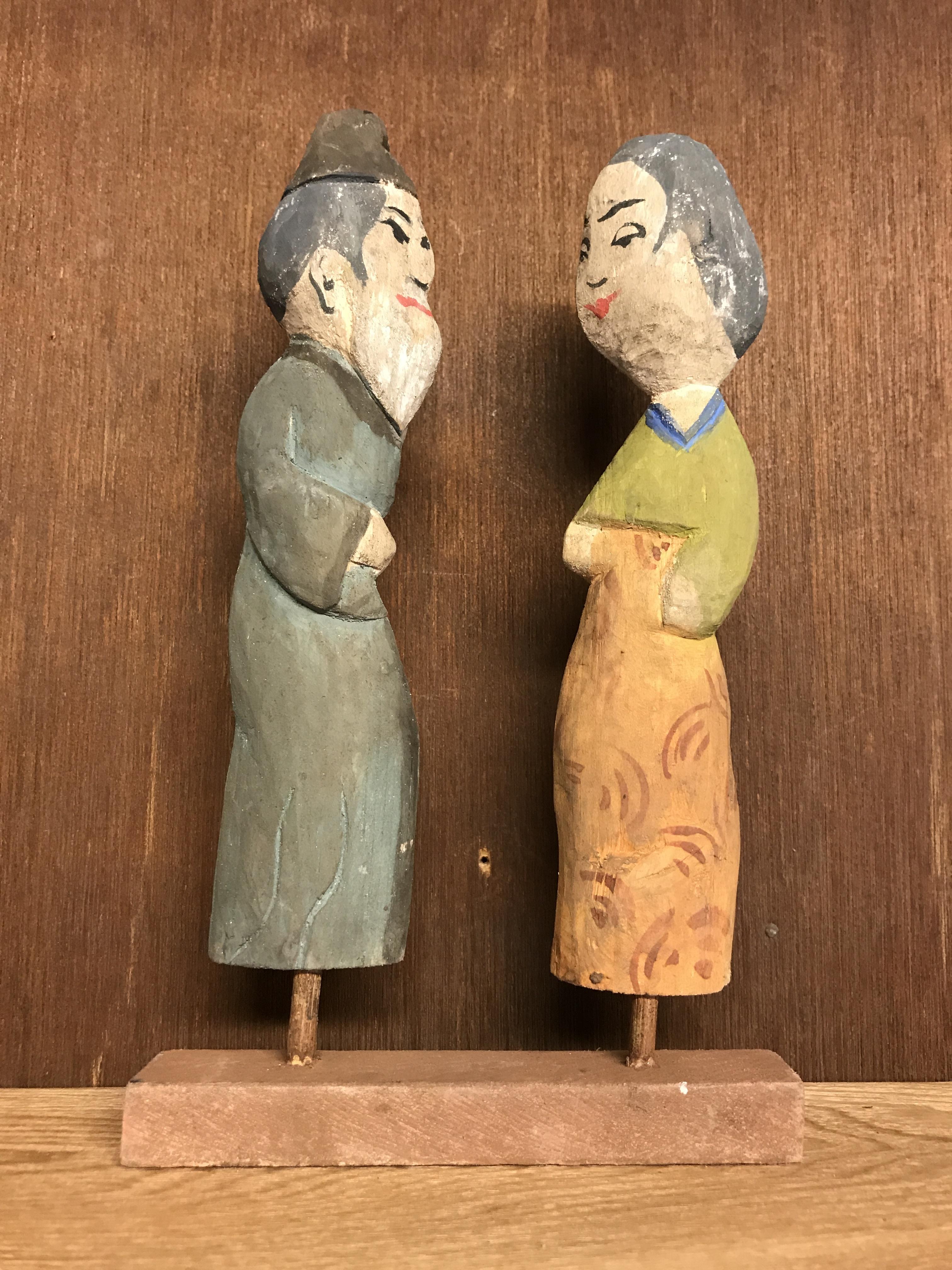 木の人形 男女(2)