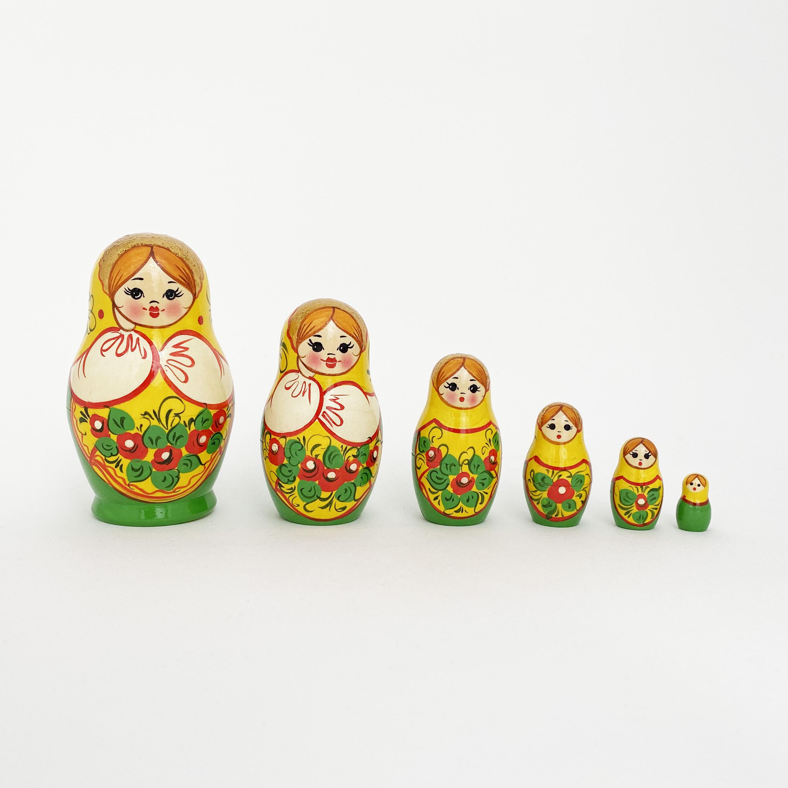 ノーリンスク産マトリョーシカ/頬杖6個組