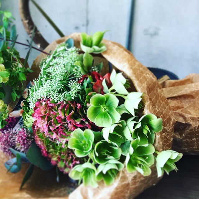 【Bouquet】Seasonal Flower Bouquet Gift (Standard)
