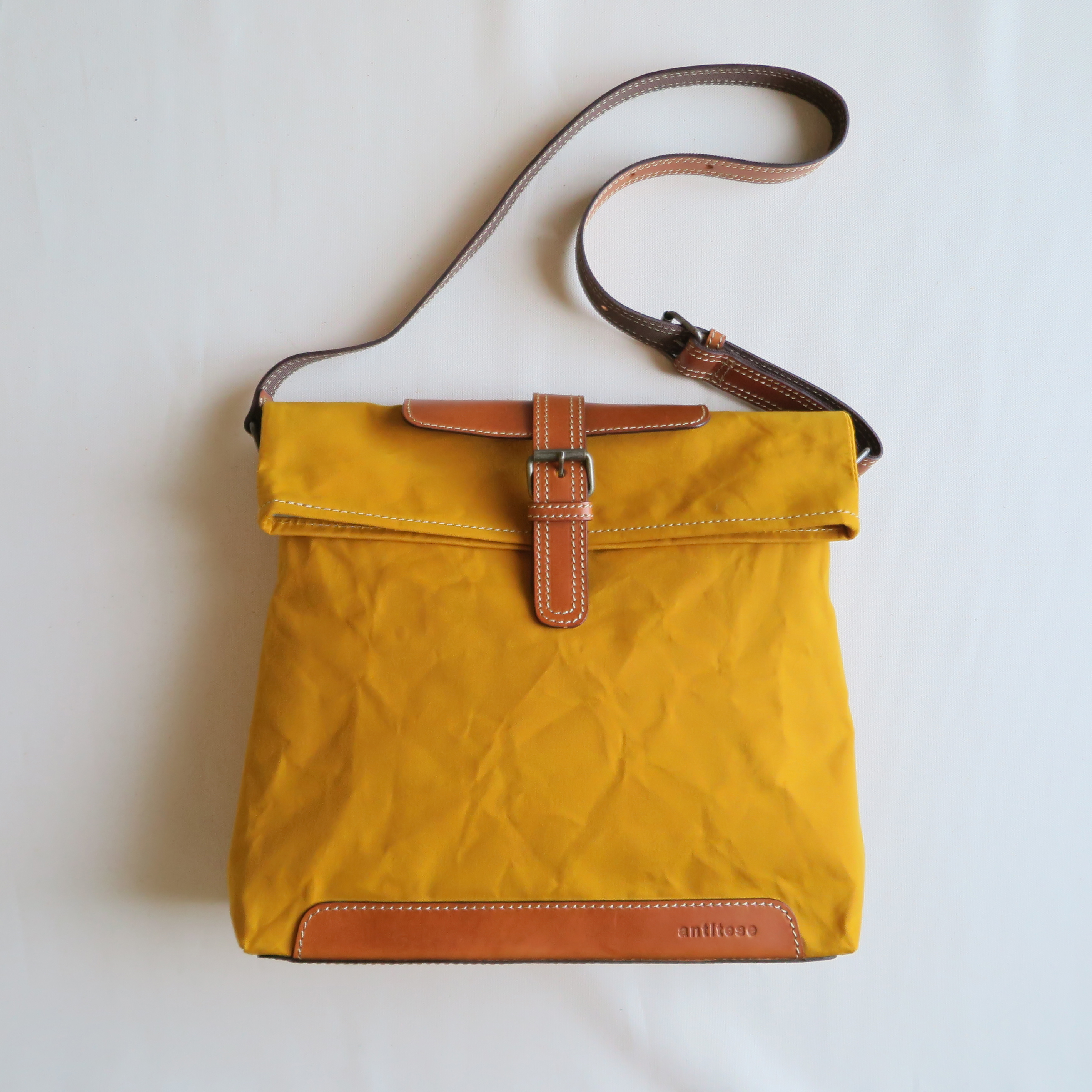 Paraffin canvas messenger bag MUSTARD