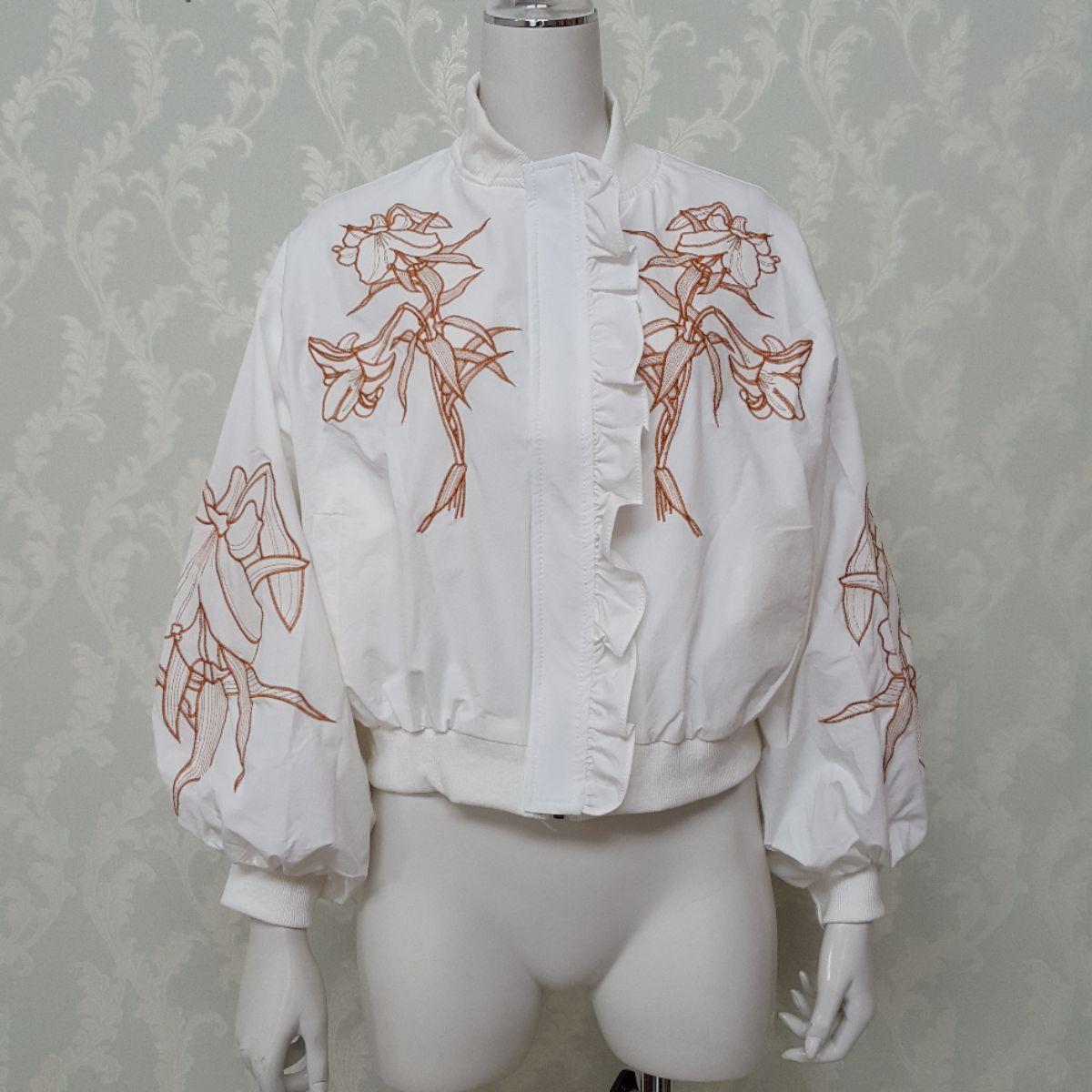 刺繍ボリューム袖ブルゾン