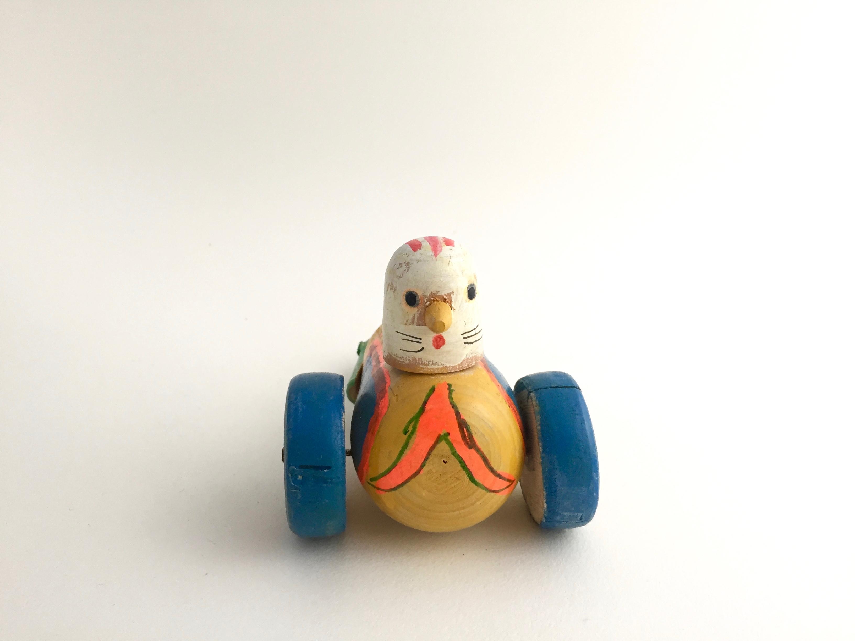 はりまや木地玩具「ハトの車」