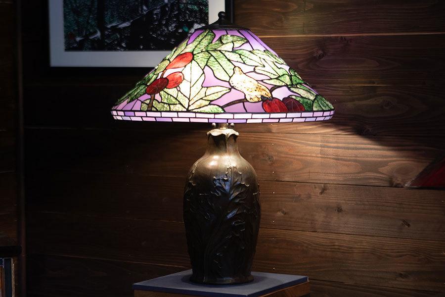 無花果のある庭の風景(ティファニーランプ)(ステンドグラスのテーブルランプ) 01040009