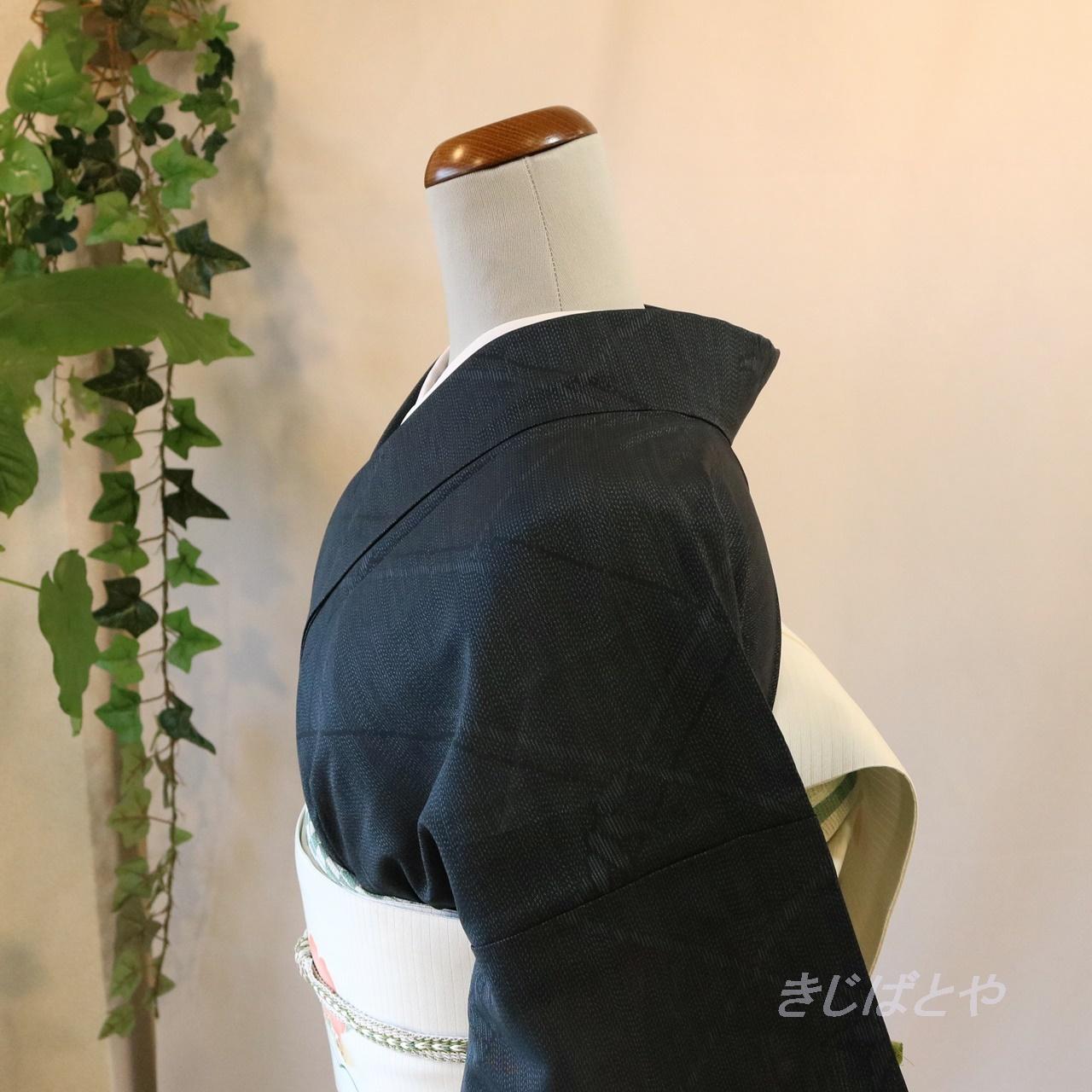 【N様ご予約品】夏大島 濃藍に菱格子の小紋 単衣