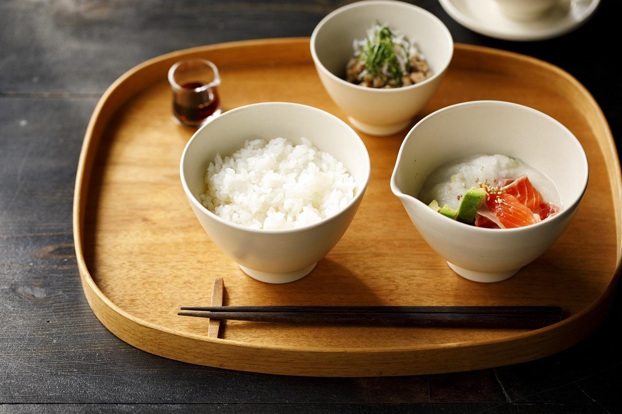 Une / Spout bowl / L