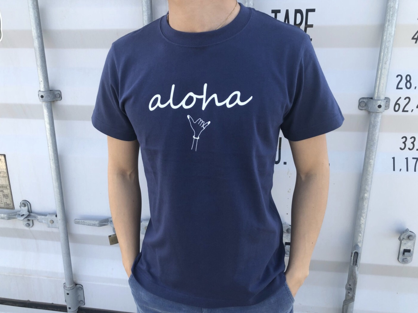 【7/3 21:00再入荷】(Fine7月号掲載) alohaサイン Tシャツ(navy)
