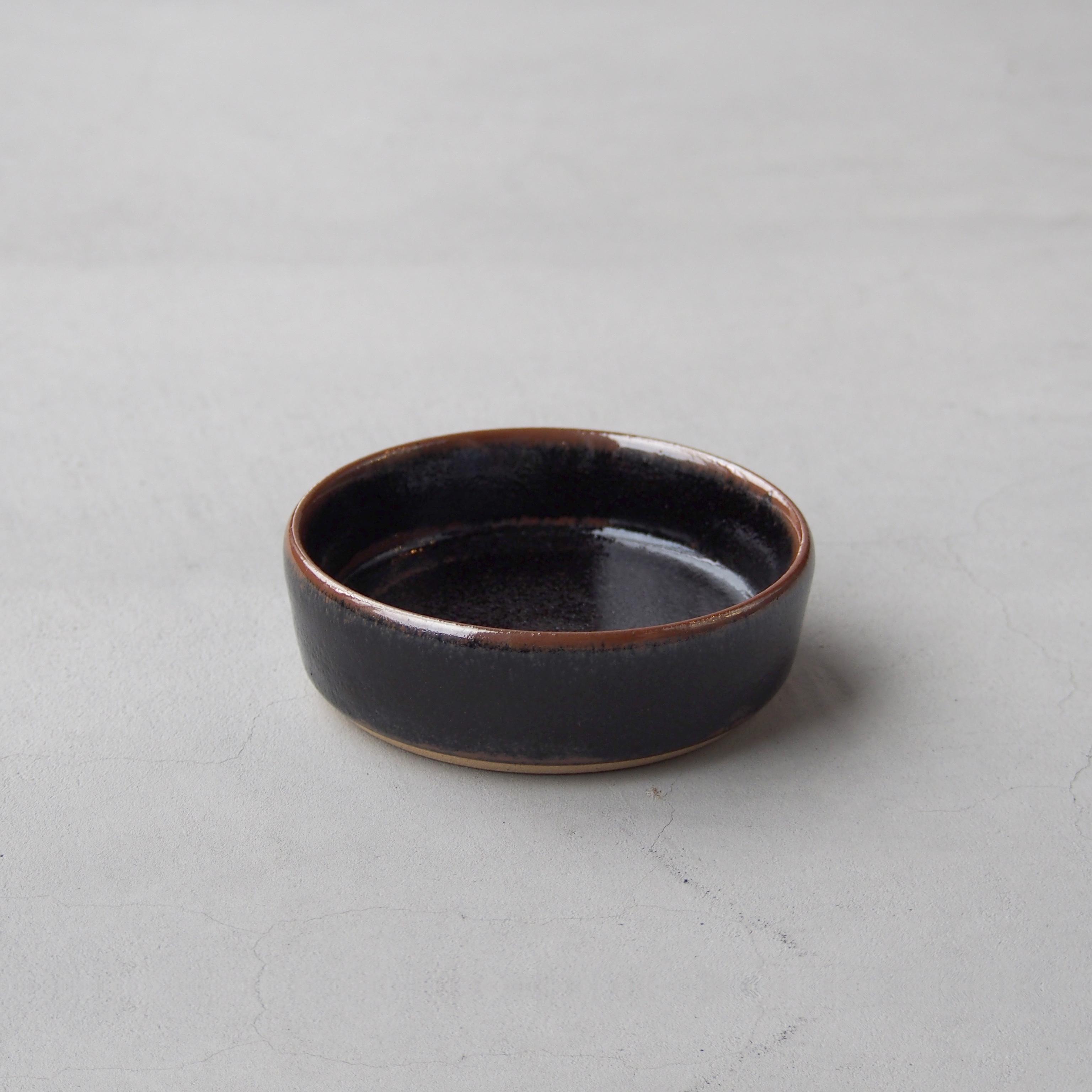 出西窯 浅切立鉢4寸 黒