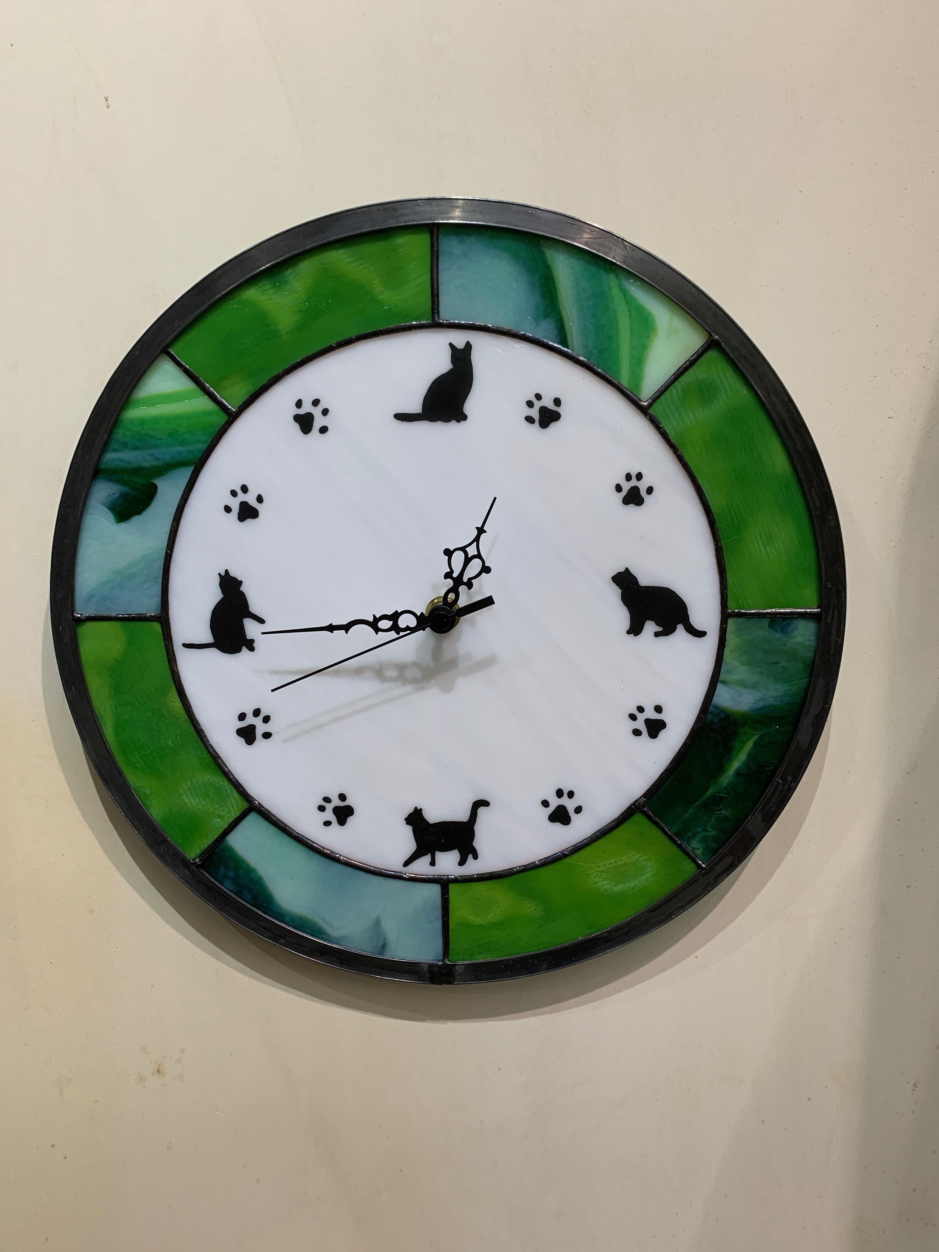 ねこ時計(ステンドグラスの壁掛け時計) 02120001