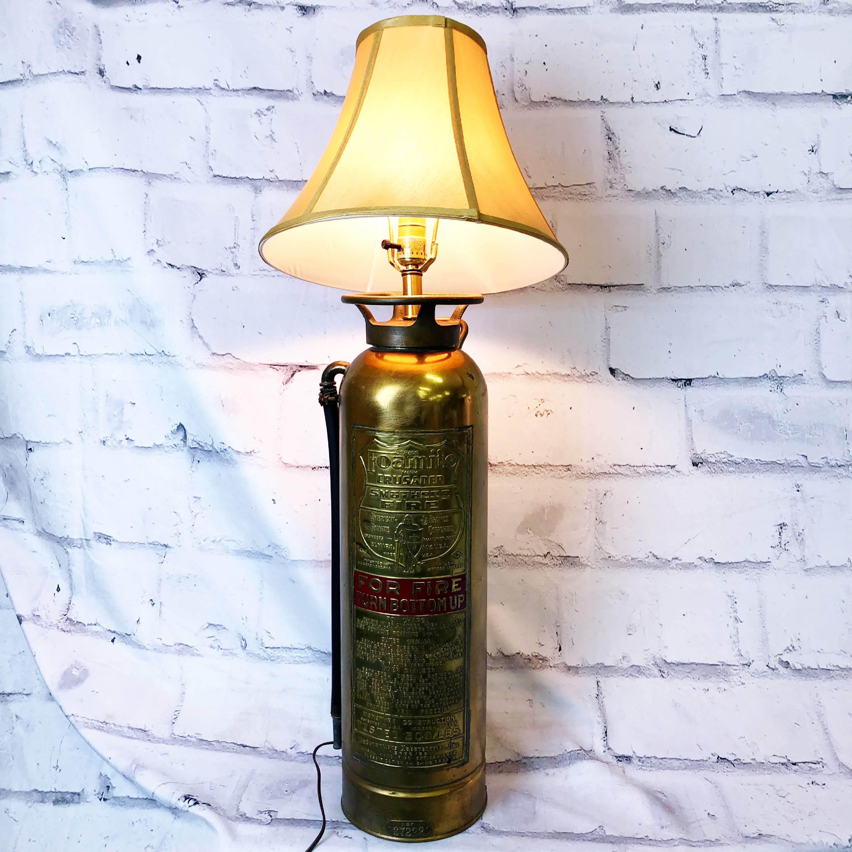 品番3526 消火器ライト スタンド ランプ 創作 USA製 照明 インテリア ヴィンテージ