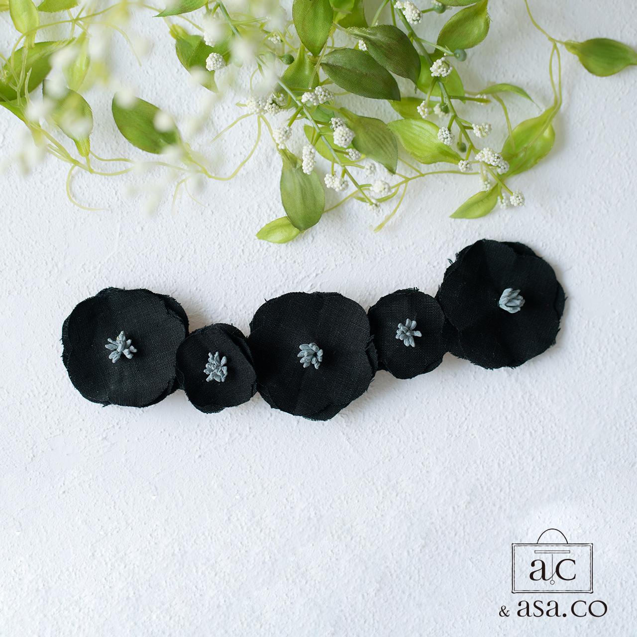 麻の襟元ブローチ 〈 Romantic 〉Black