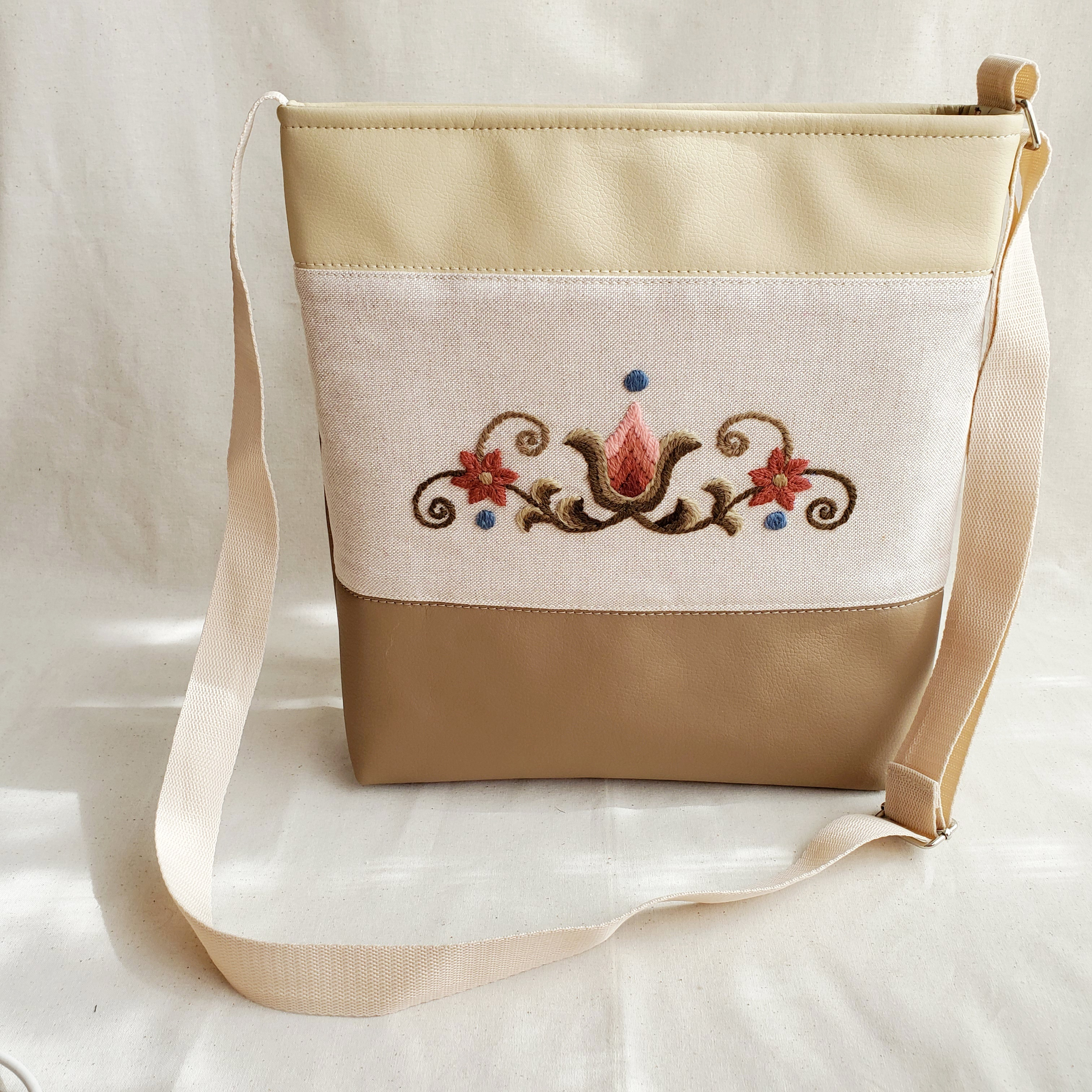チューリップ柄のショルダーバッグ