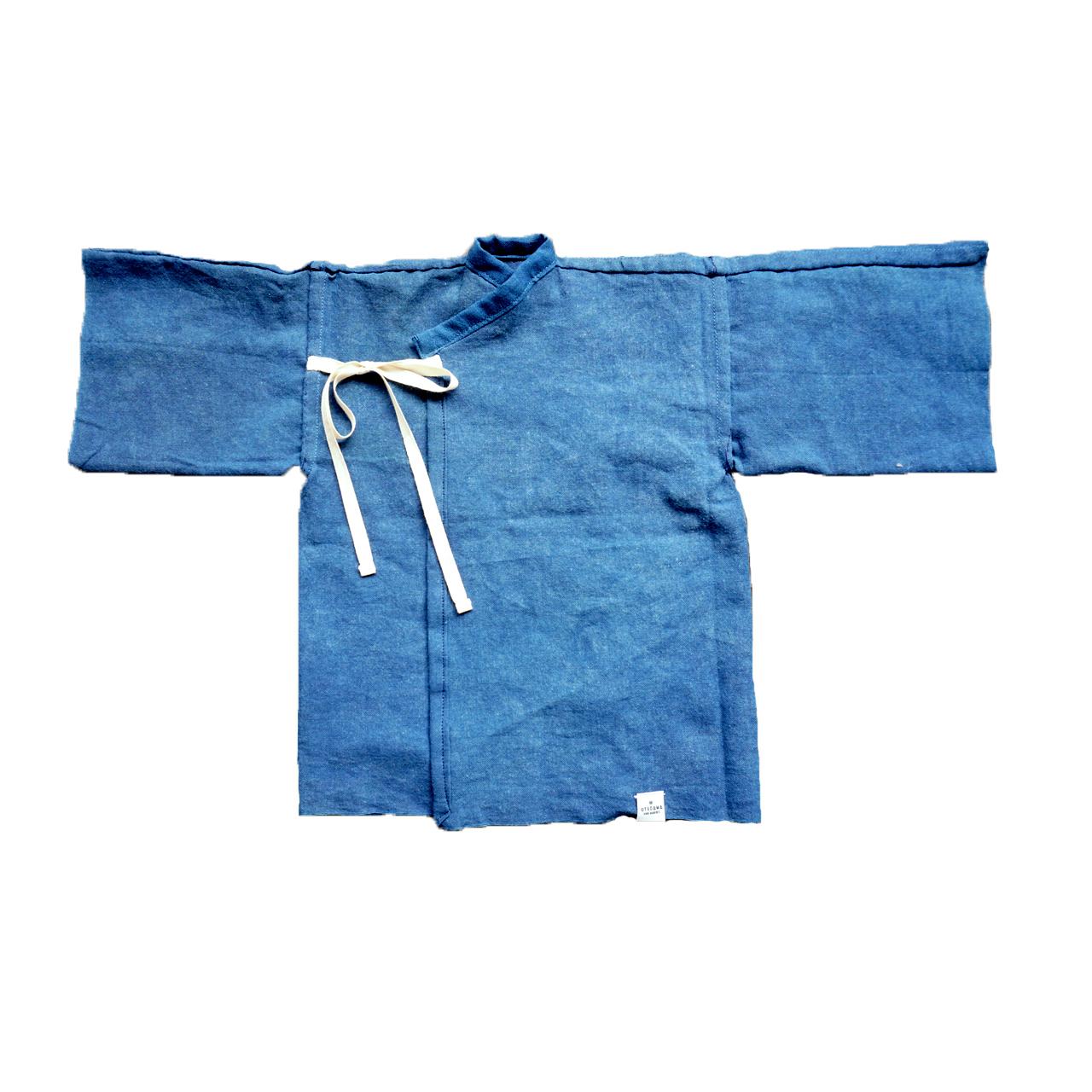 1枚の手ぬぐいから作られる天然藍染めの産着