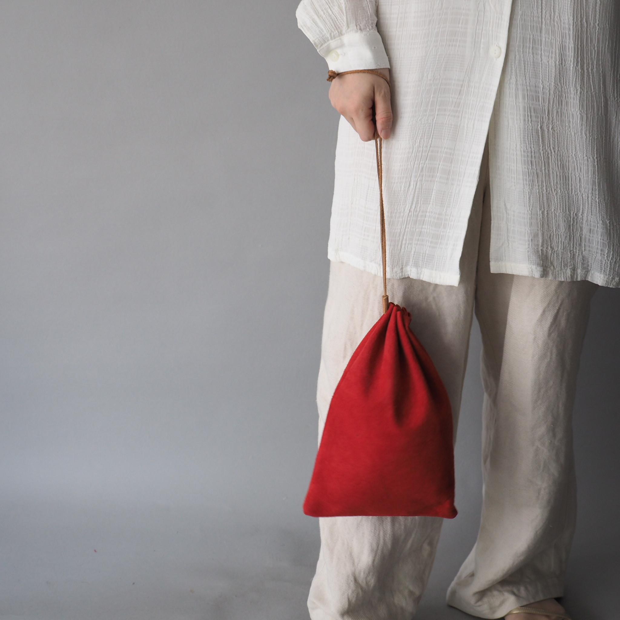 """Utility Bag"" 大人のためのレザー巾着 -カラフルなスウェード - 画像5"