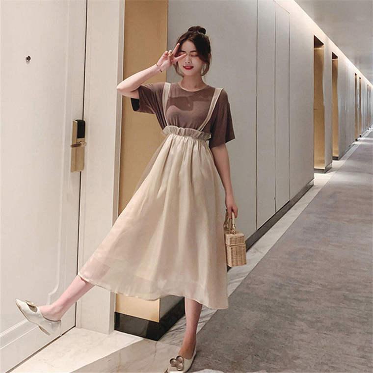 【送料無料】 人気のベージュカラーコーデ♡ Tシャツ × ロング丈 ジャンパースカート セットアップ
