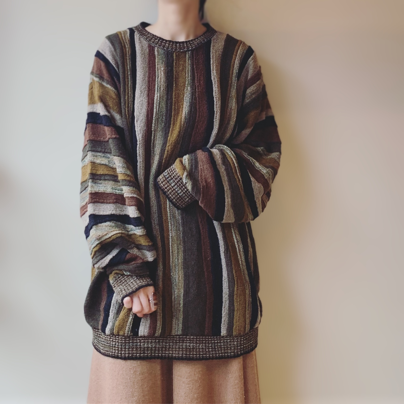 vintage design 3D knit sweater