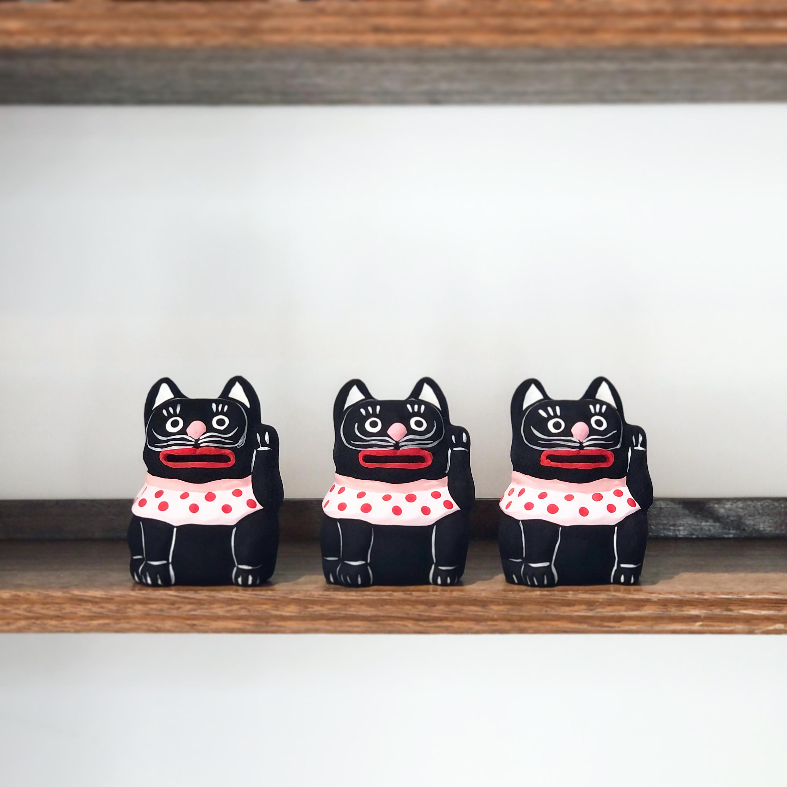 黒猫の貯金箱