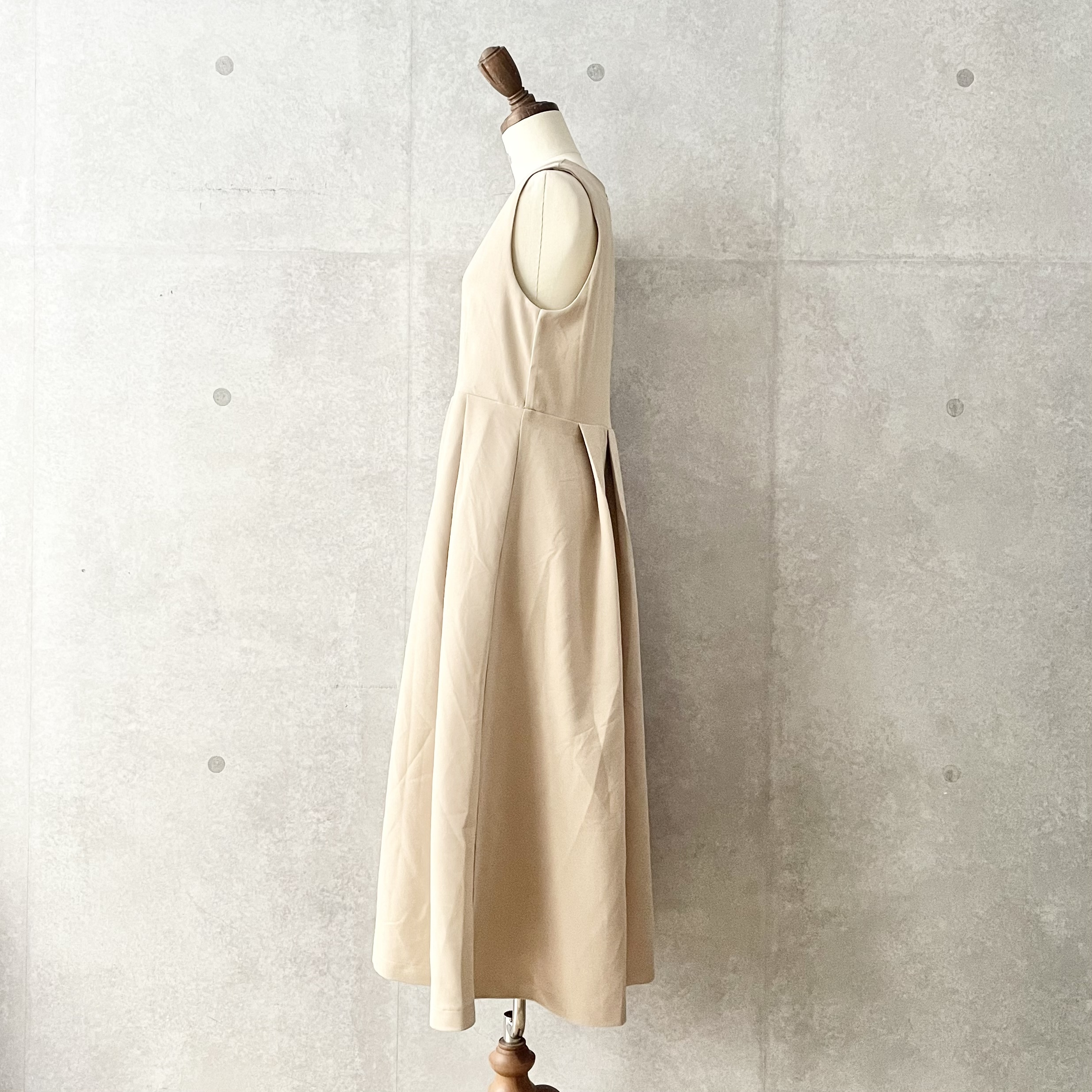 ウエストタックジャンパースカート