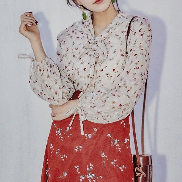 おすすめ☆秋冬物☆ シャツ ブラウス カットソー 花柄 小花 可愛い 清楚 キュート