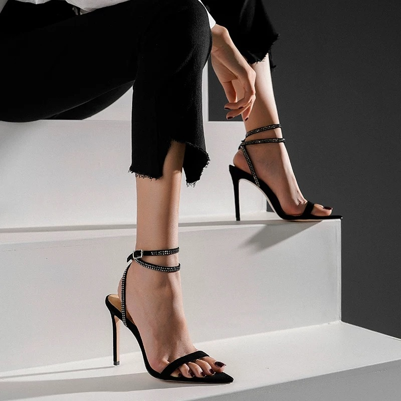thin glitter chain sandal